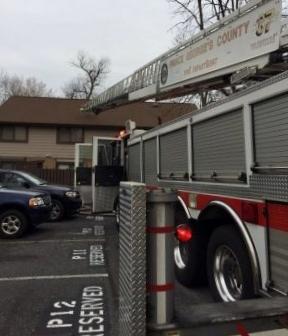 Truck Co.37 Runs Apartment Fire